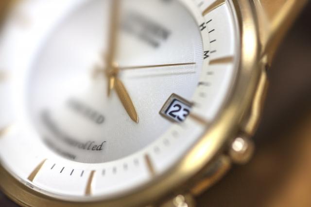 腕時計のループ(遊環)が切れたので、代用品を買ってみた。